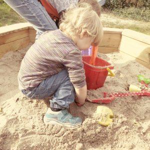 sand-pit-722378_1920